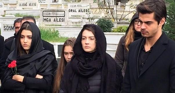 Очень юная дочь сосет у папы порно онлайн русскае